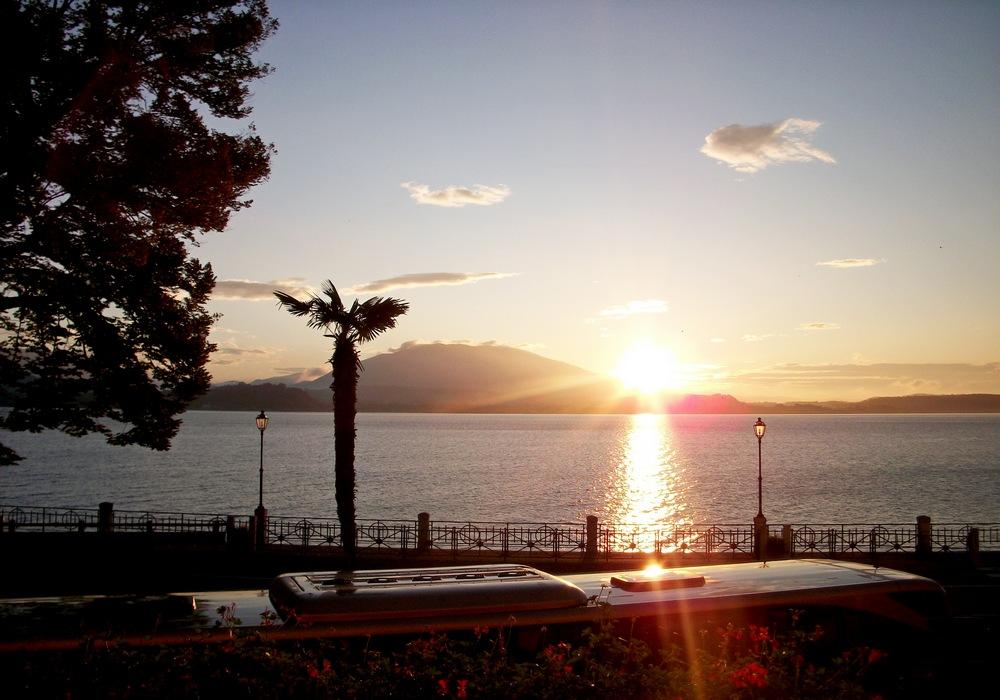 Восход на озере Комо