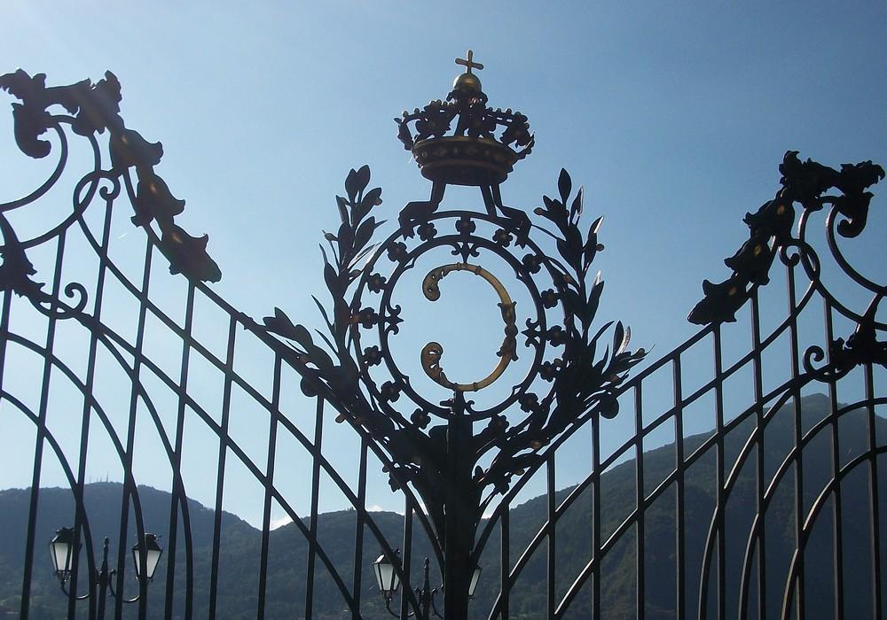 ворота вилла Карлотта