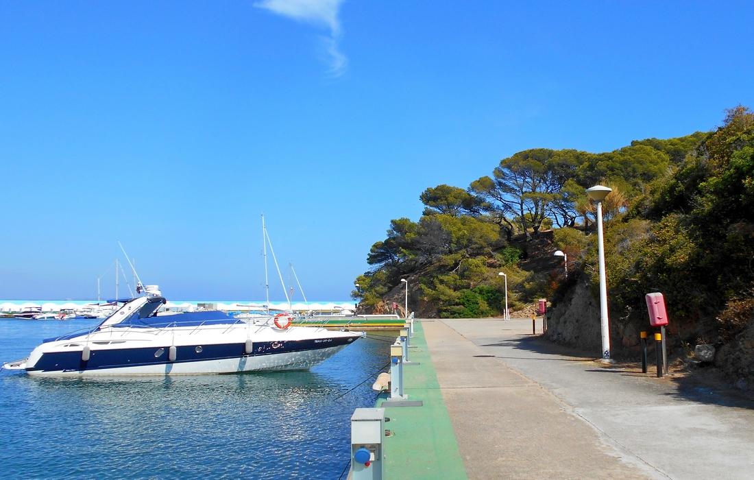 Яхтенный клуб Плайа-де-Аро