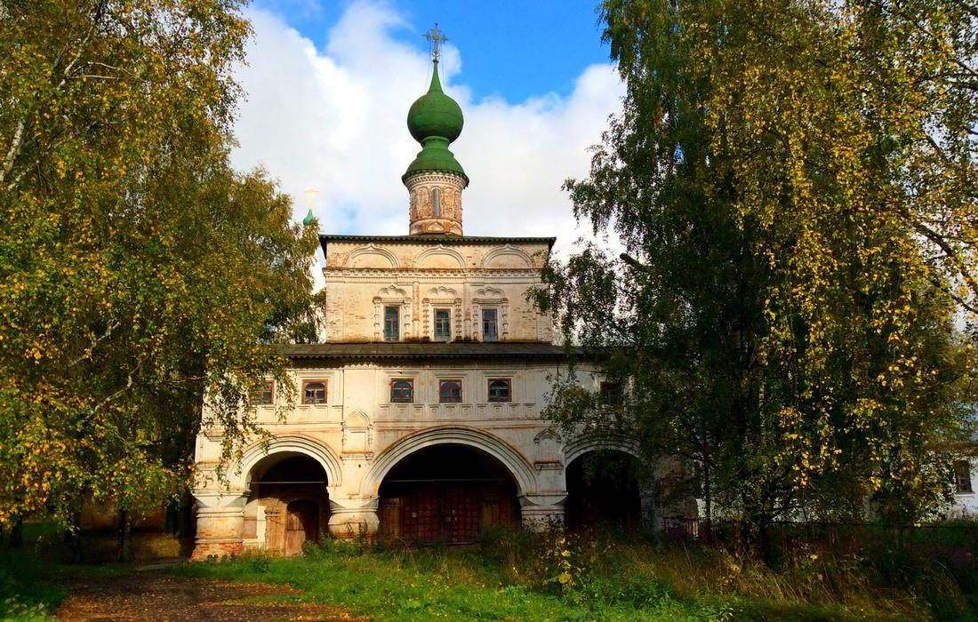 Владимирская-Надвратная церковь