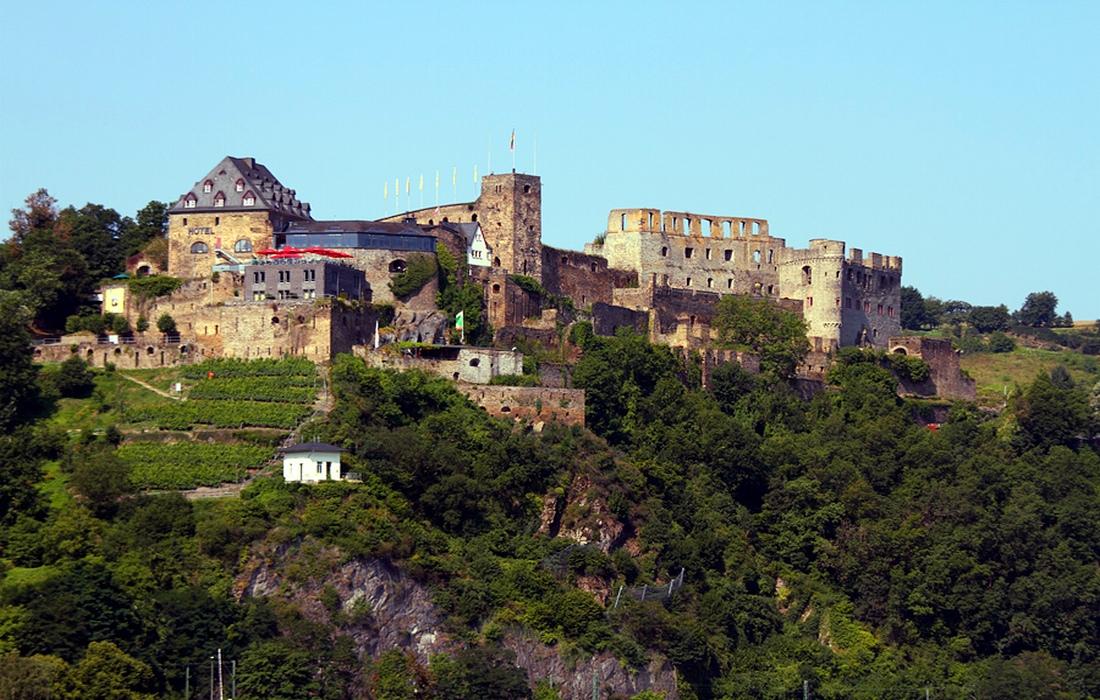руины замка Райнфельз