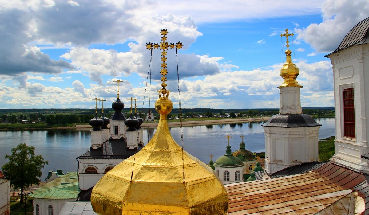 вид с колокольни Успенского собора