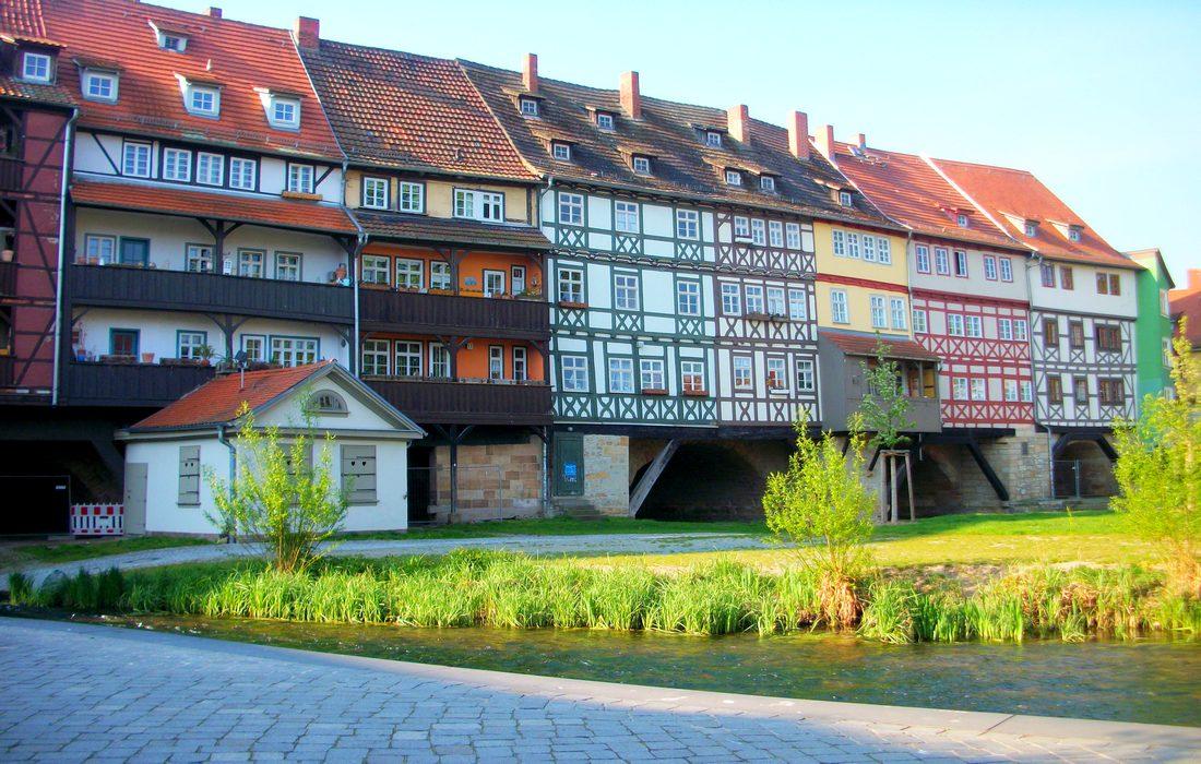 единственный в Европе жилой мост
