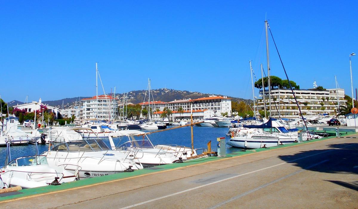 яхты в port d'aro