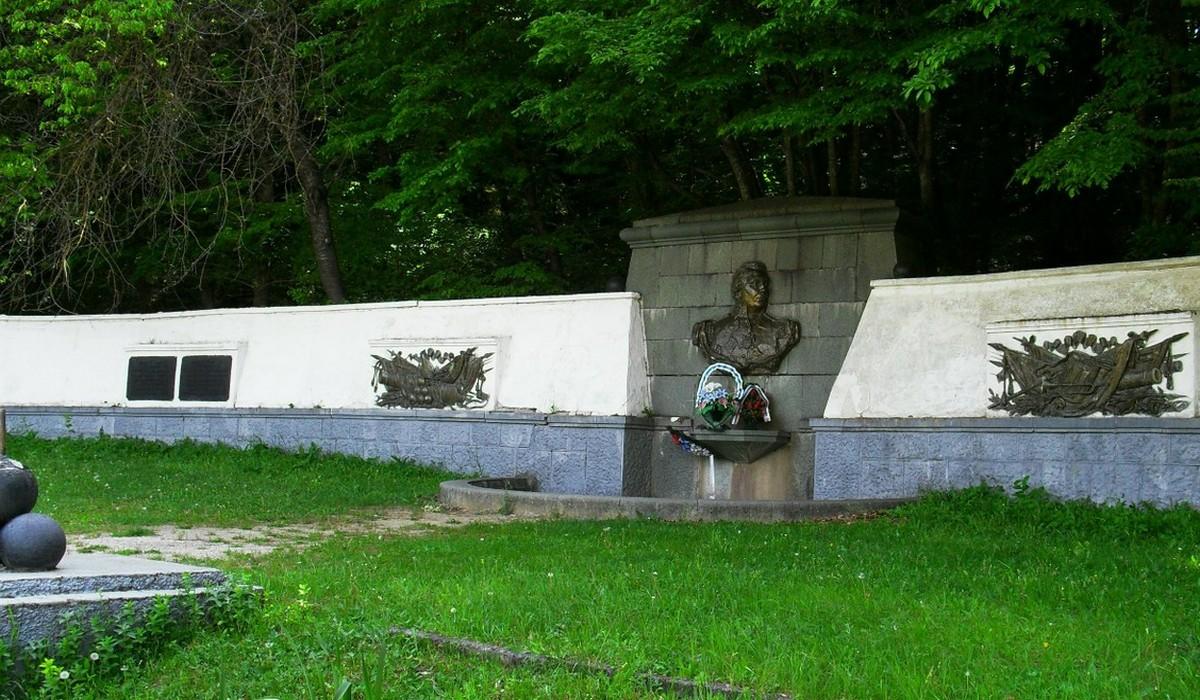 кутузовский фонтан - село Лучистое