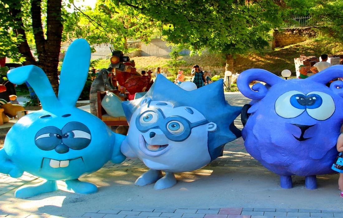 парк миниатюр - Бахчисарай, смешарики